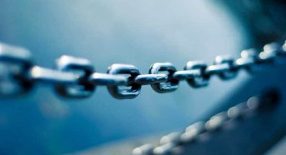 Internal linking image shows the chain in the blue background